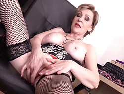 Old but uber-sexy grandma with hungry vagina